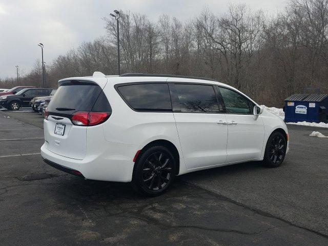 Certified Pre-Owned 2018 Chrysler Pacifica Touring L FWD